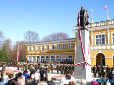 Odsłoniecie-pomnika-Marszalka-61